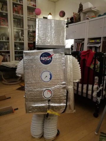 Også bagfra er den hjemmelavede Robot total coool med uplink-hale :-)