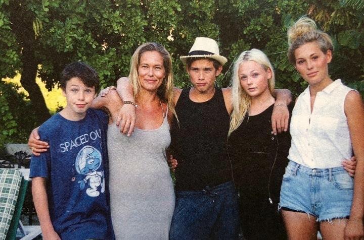 Renée Toft Simonsen om børneopdragelse, her med hendes fire skønne børn